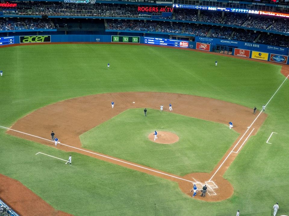 Toronto blue jays: como é assistir um jogo de Baseball?